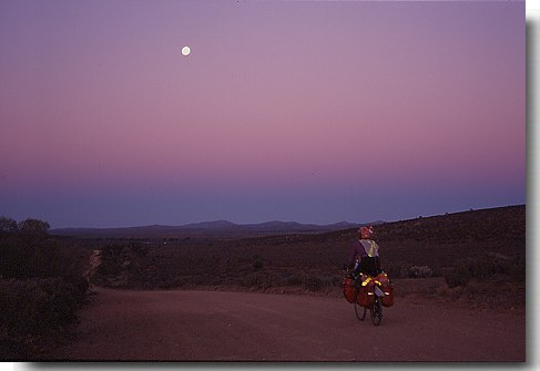 Australia Bicycle Touring Photos Moonrise Flinders